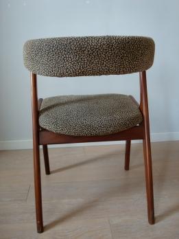 3 chaises type scandinave acajou / tissu - 180 €